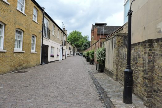 Palace Gardens Mews - Everchanging Mews