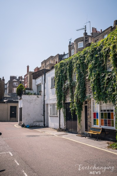 Park Crescent Mews West